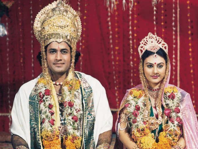 Ram Ji Ki Sena Chali Lyrics - Ramayan