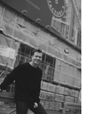 Ed Speleers habla sobre Outlander y su pasión por la actuación