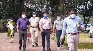 कलेक्टर सौरभ कुमार सुमन द्वारा  सचिवों की समीक्षा बैठक ली गई