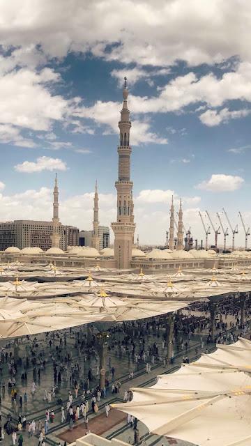 خلفية هاتف تصوير ساحة المسجد النبوي من مكان مرتفع