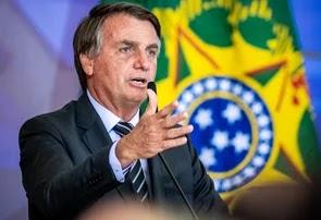 Bolsonaro diz que vai resolver extensão do auxílio nesta semana