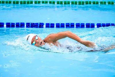 هل السباحة تزيد الوزن أم تنقصه؟