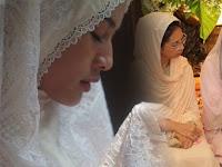 Mengharukan! Begini Perjuangan Dian Sastro Jadi Mualaf dan Khatam Al-Qur'an. Ini Reaksi Sang Ibu yang Katolik