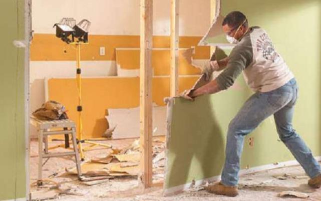 Опасные соседи: как защитить квартиру от рисков