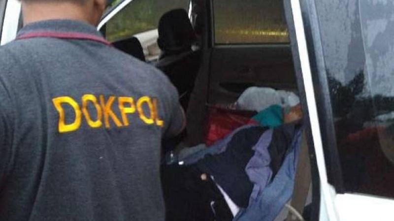 Sekeluarga tewas keracunan dalam mobil di Carita