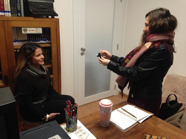 A filmar uma das atrizes do Grupo Cénico do GIPA