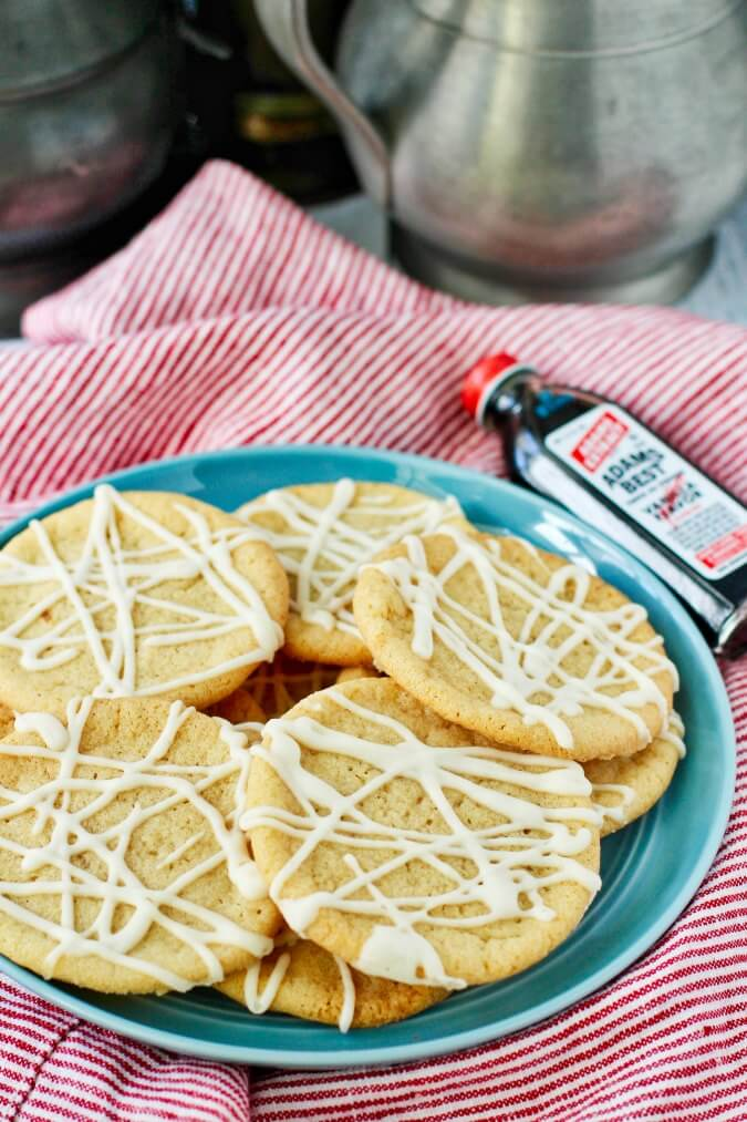 Maple sugar cookies with vanilla
