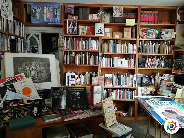 milano  libreria spettacolo
