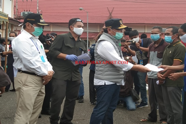 Lounching Bantuan Covid- 19 Pemkab Bartim Dihadiri Gubernur Kalteng H Sugianto Sabran