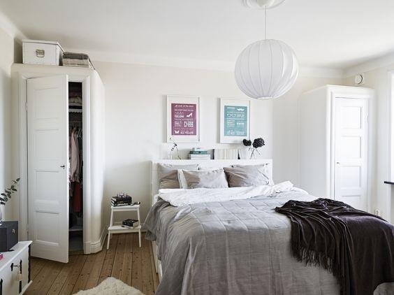 biała szafka ikea, skandynawska sypialnia