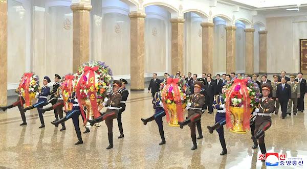 Senior officials visit Kumsusan Palace of Sun, April 15, 2020