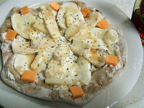 7種のチーズwithハニー&メイプルピザ