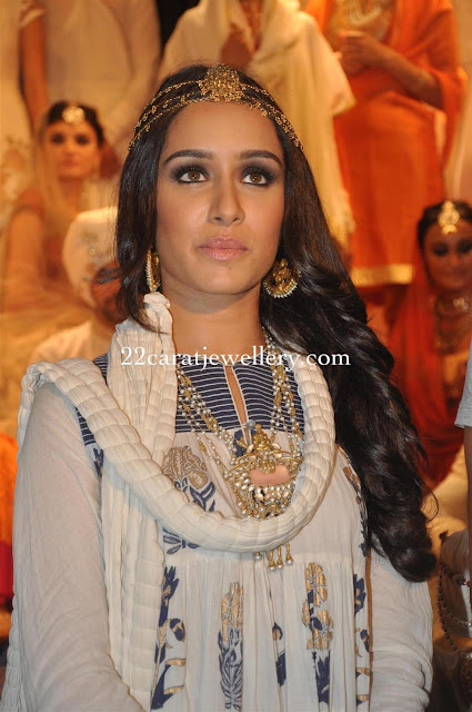 Shraddha Kapoor Diamond Jewellery