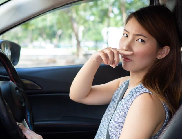 Có nên để nước hoa trong xe ô tô? Cần thiết hay phí tiền?