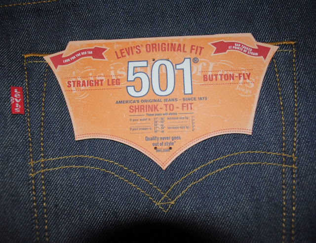 Levis 501 Shrink To Fit - Right Back Pocket with Flasher