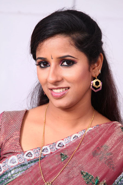 Shravya reddy in saree photos from nri movie