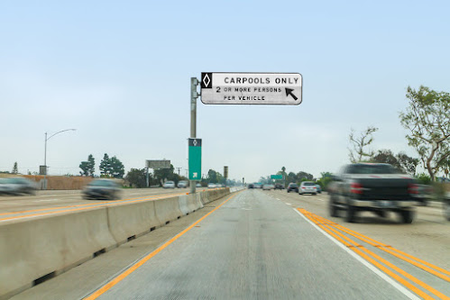 carpool lane only 2 or more person per vehicle