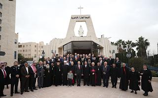 رئيس الوزراء د. عمر الرزاز يهنئ المسيحيين في الأردن بالأعياد المجيدة