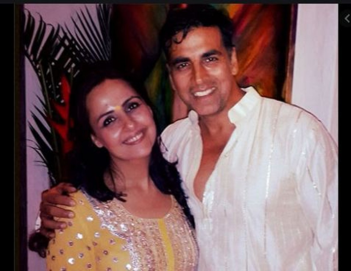 actor-akshay-kumar-books-all-seats-in-mumbai-delhi-flight-for-his-sister-know-why