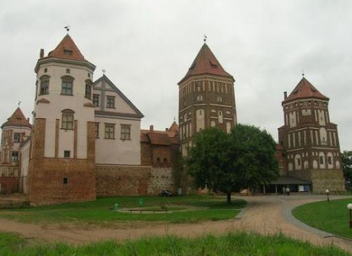ежегодный рыцарский фестиваль «Белый замок»
