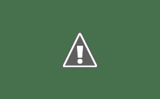 Fotografía de una joven haciendo bisutería