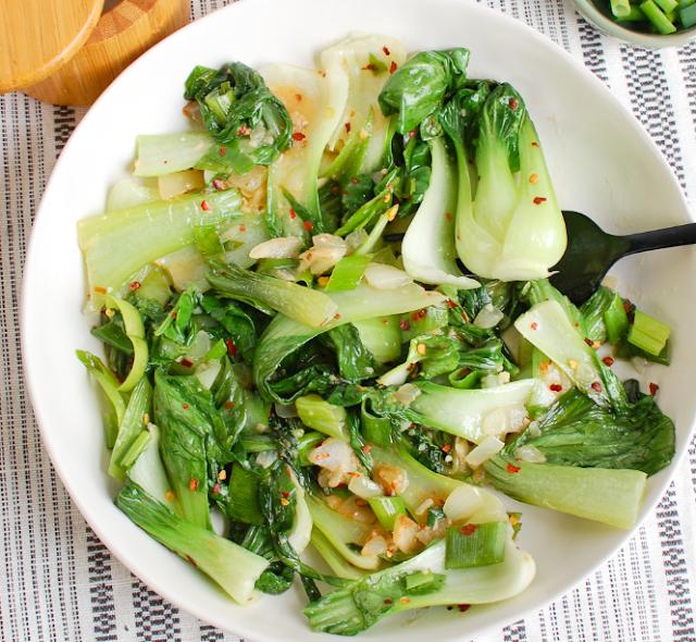 10 Minute Garlic Bok Choy #vegan #easy