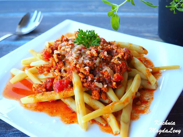 Fasolka szparagowa z sosem pomidorowym
