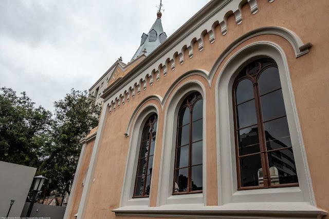 Capela Nossa Senhora da Glória - detalhe janelas laterais