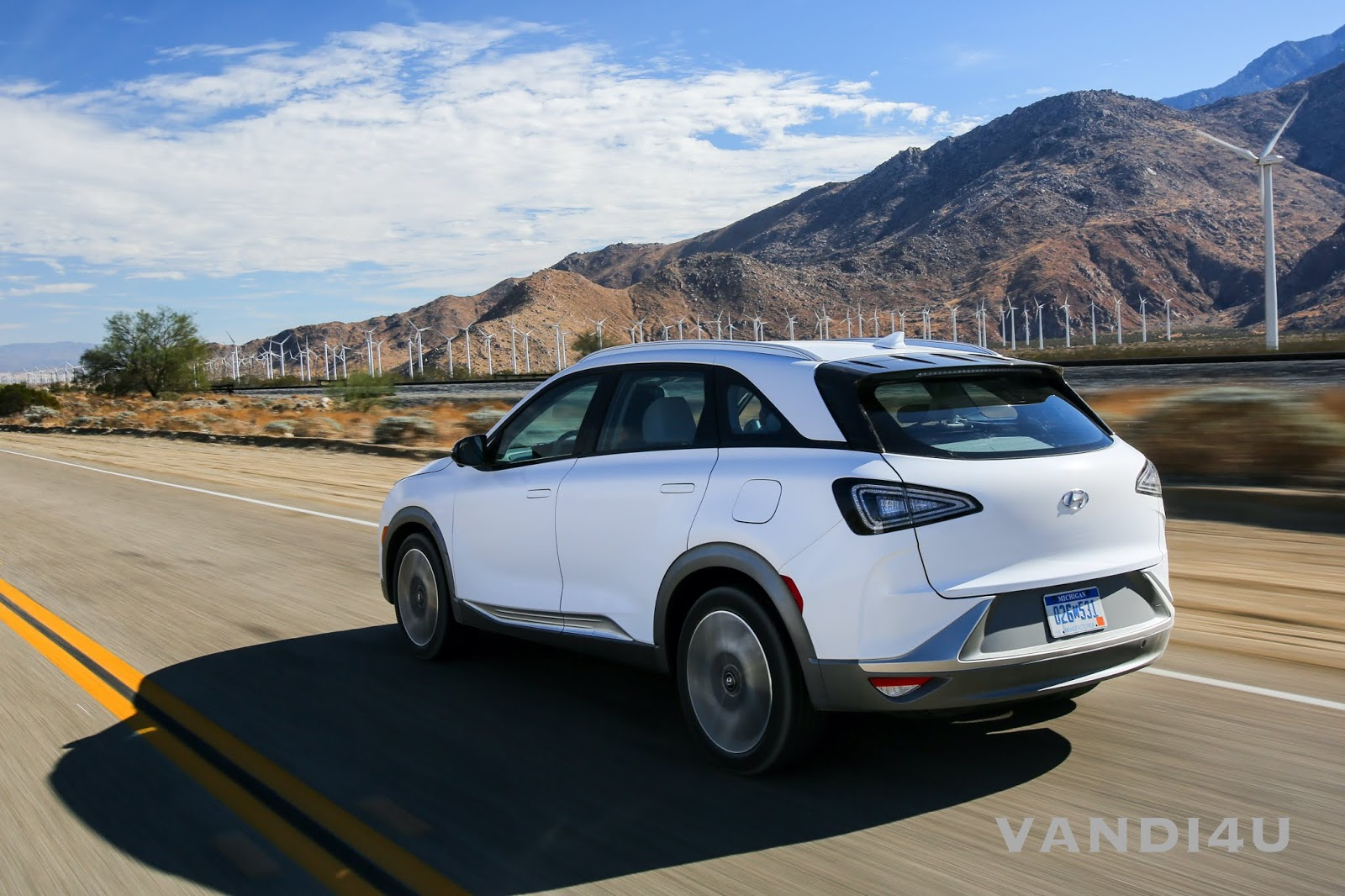 Hyundai begins Feasibility Study for Fuel Cell Electric Vehicles in India | VANDI4U