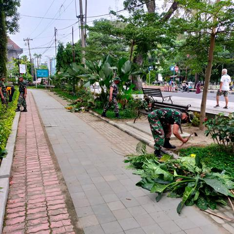 """Personel Korem 022/Pantai Timur Laksanakan Karya Bakti """"Jumat Bersih"""""""
