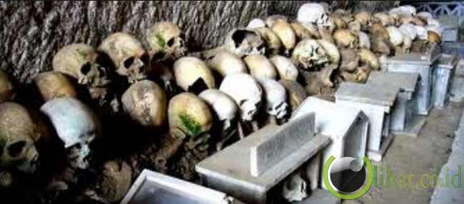 European Ossuaries, France