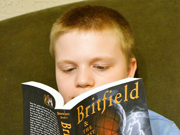 Britfield and the Lost Crown {A Book Review + Giveaway} #ExperienceTheStory #WorldofBritfield #BritfieldandTheLostCrown