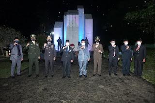 Kapolres Enrekang Hadiri Apel Kehormatan dan Renungan Suci Dalam Rangka Memperingati Hari Kemerdekaan RI Ke-76