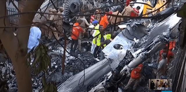 سقوط الطائرة الباكستانية
