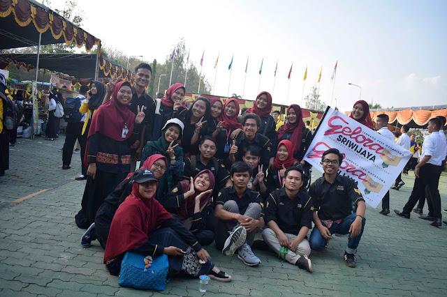 anggota Lembaga Pers Mahasiswa Gelora Sriwijaya Unsri (LPMGS Unsri) saat PK2 Unsri 2018
