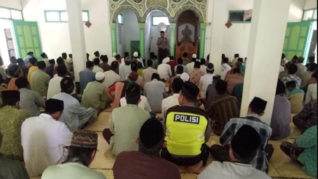 Mengapa Hanya Masjid yang Diawasi dan Dijaga?