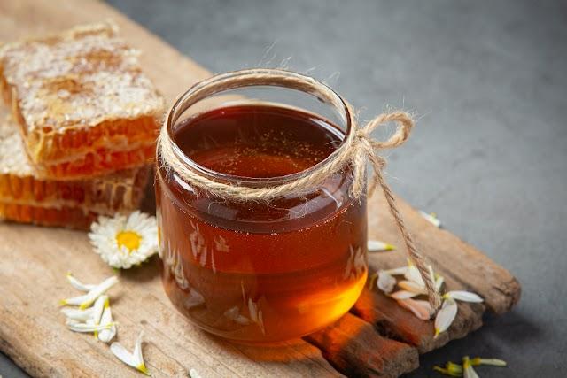 ::  ประโยชน์สรรพคุณของนมผึ้ง ที่ขึ้นชื่อว่าเป็นยาอายุวัฒนะ ::