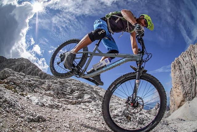 Downhill Pas de Antermoia Mountainbike