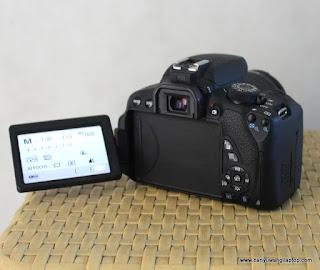 Jual Kamera  Canon  700d  Touch-Screen di  Banyuwangi