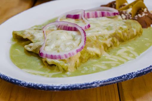 Green Enchiladas with Cheese (Enchiladas Verde con Queso)