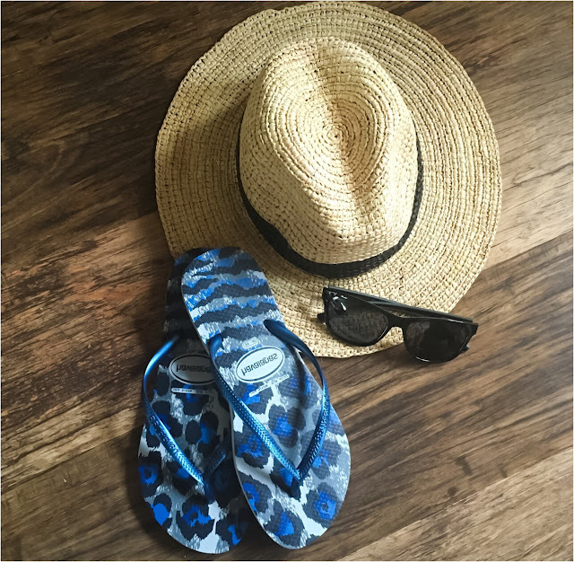 My Midlife Fashion, Coco bay, havaiana slim fit animal print flip flops, polaroid sunglasses
