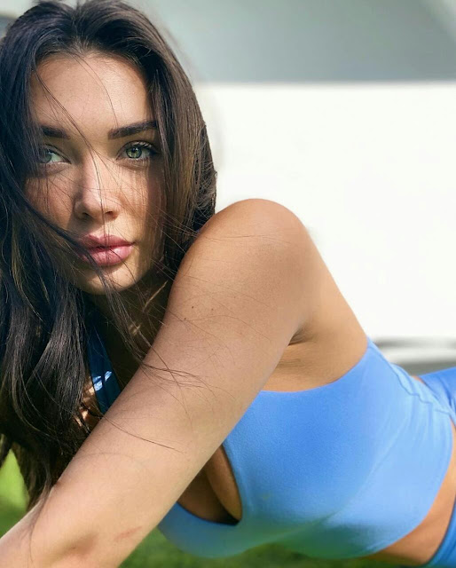 Amy Jackson Hot HD Wallpaper Download