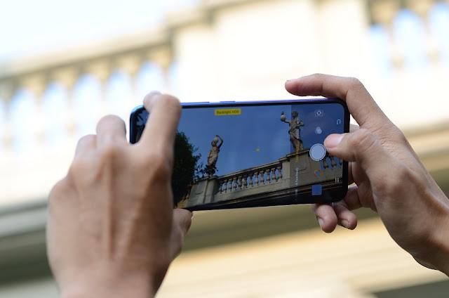 4-tips-memotret-dengan-smartphone-saat-kondisi-backlight