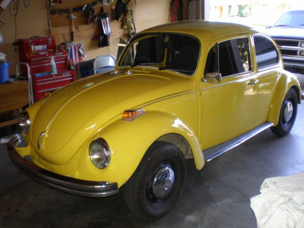 1971 Volkswagen Yellow Super Beetle