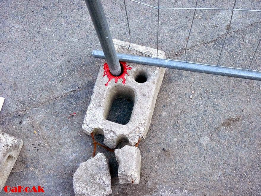 28 Pieces Of Street Art That Cleverly Interact With Their Surroundings - Lost Eye, France