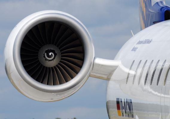 Bombardier CRJ900 specs