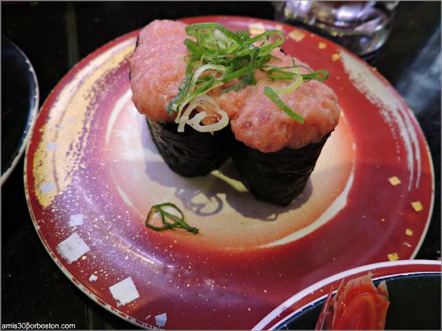 Platos de Sushi de Katsu Midori, Tokio