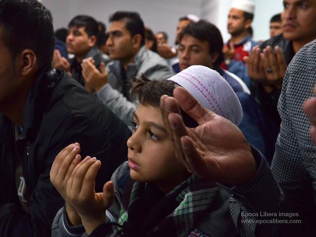 Men gather for prayer