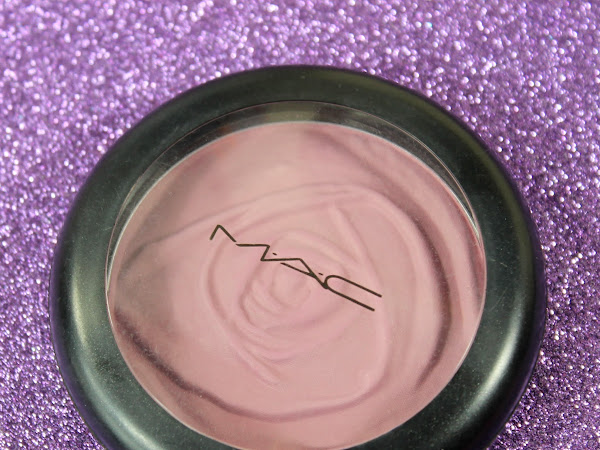 MAC Monday: A Rose Romance - Summer Rose Beauty Powder Swatches & Review