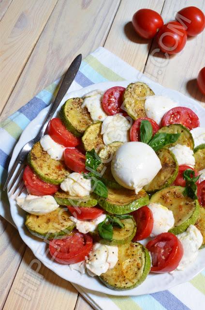 hiperica di lady boheme blog di cucina, ricette gustose, facili e veloci. Insalata caprese rivisitata
